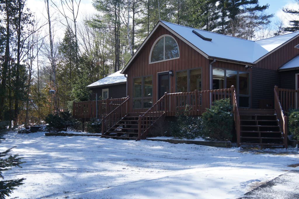schroon lake chat rooms Book blue ridge motel, schroon lake on tripadvisor:  on our way to lake placid and wanted to let you know that the rooms have all new rugs and have.