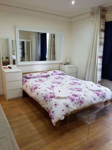 Nice flat in the heart of London