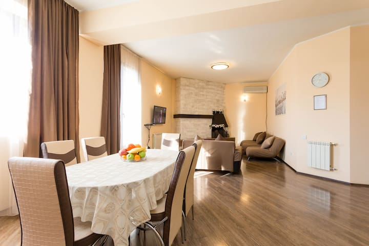 Rustaveli Dry Bridge Apartment