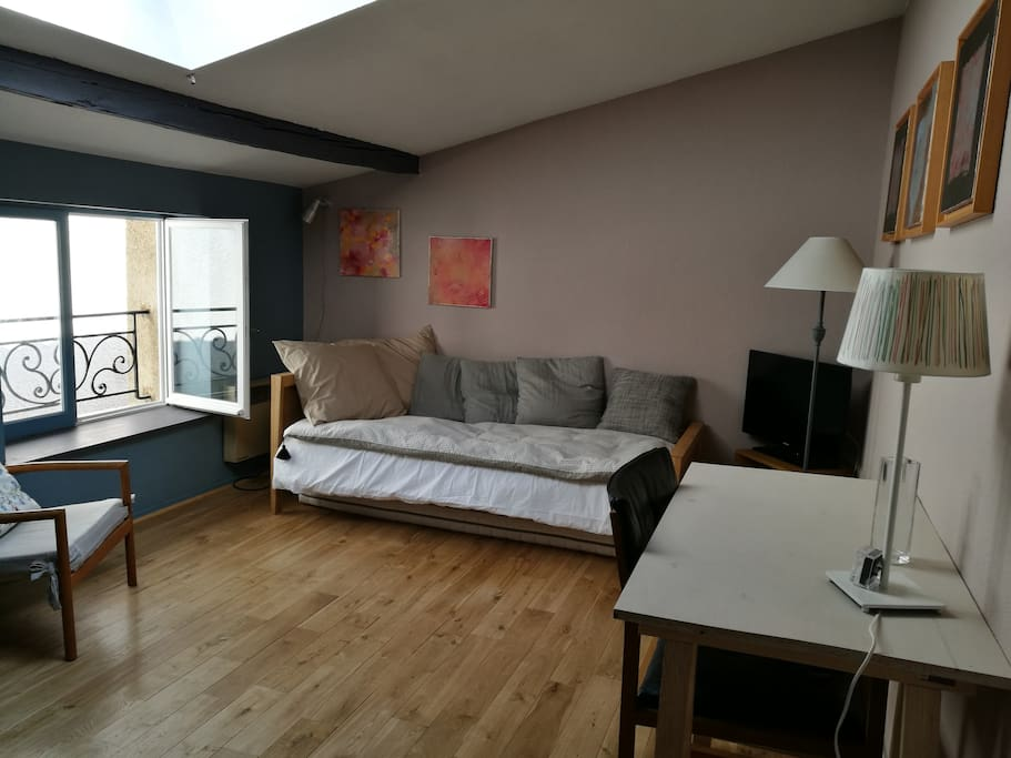 Studio hyper centre de bordeaux appartements louer for Location appartement studio bordeaux