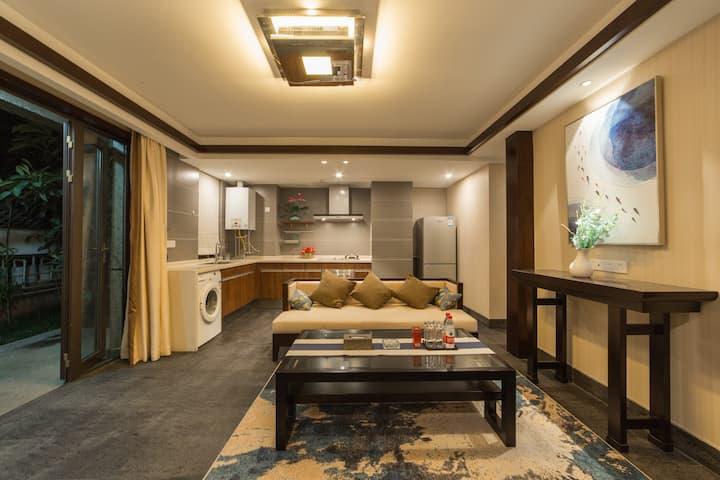 束河 一室一厅 庭院家庭房(可住3到4人)可做饭可停车3晚免接房型随机