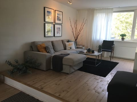 Comfortable & quiet apartment, 10 mins to the city