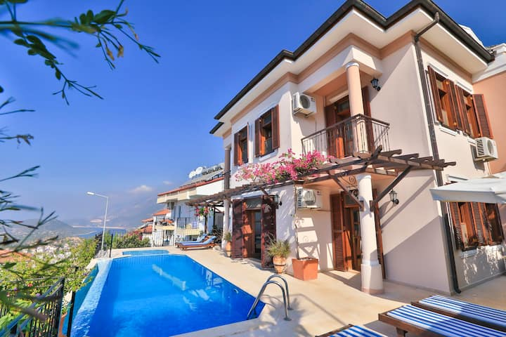 Kas town villa with great views