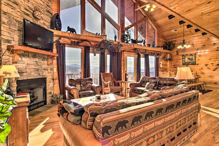 Cabin w/ Breathtaking Views, Pool Access & Theater