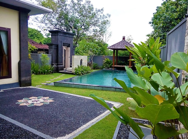 Luxurious Private Villa Jimbaran Nusa Dua Bali