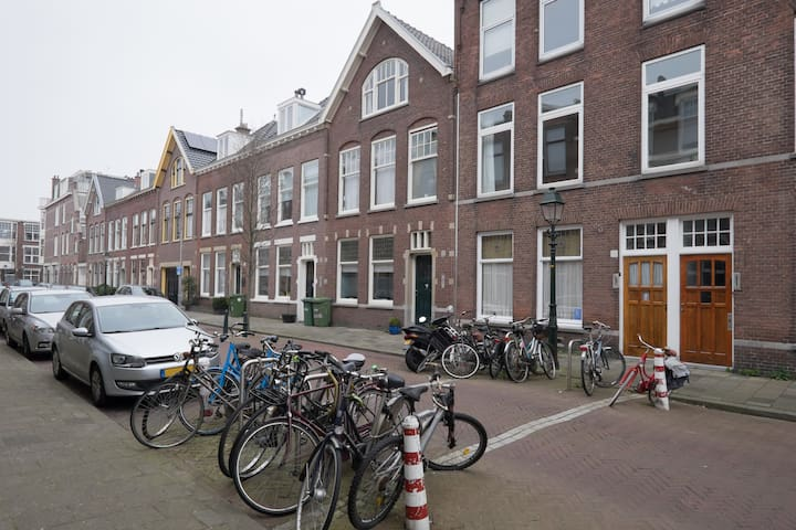 Furnished apt near beach and shops - The Hague - House
