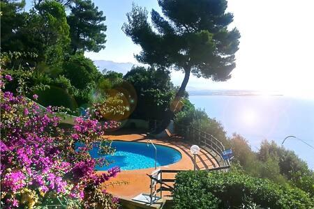 Liguria house overlooking the Gulf - Ameglia