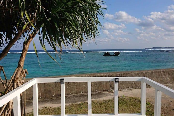 蒼い珊瑚礁 奄美屈指の青い海の目の前!奄美大島ビーチフロントのプライベート・ヴィラ!
