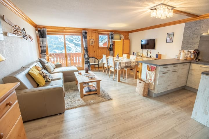 Cosy apartment 4 people Meribel Morel, 50m from chairlift