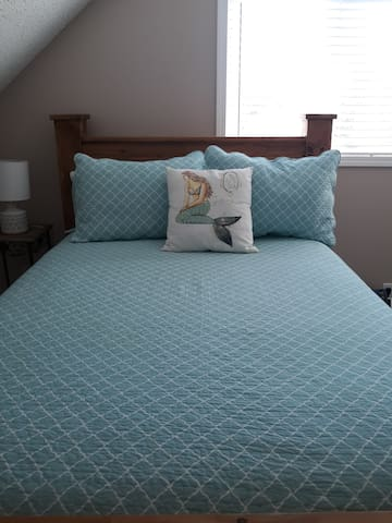 Full size, extremely comfortable bed, read our reviews, everyone loves it!