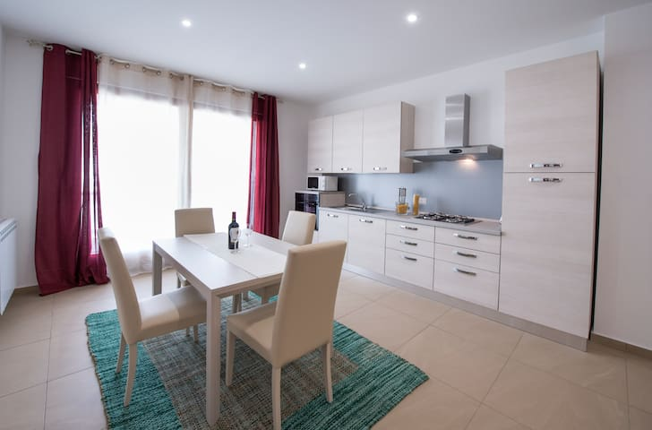 Great, new and central apartments - Catania - Appartement