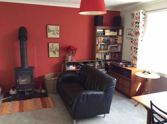 Light, spacious modern home in lovely Wirksworth