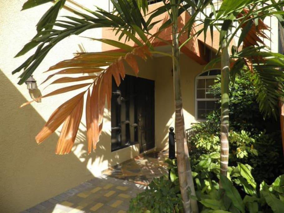 View of the front door way