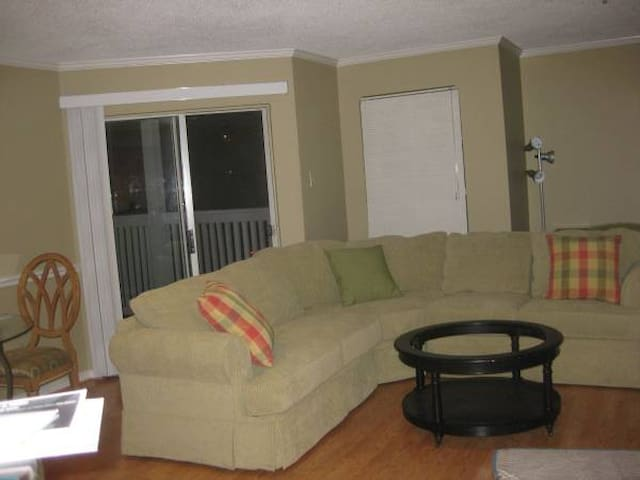 2 Bed/2 Bath Furnished Apartment