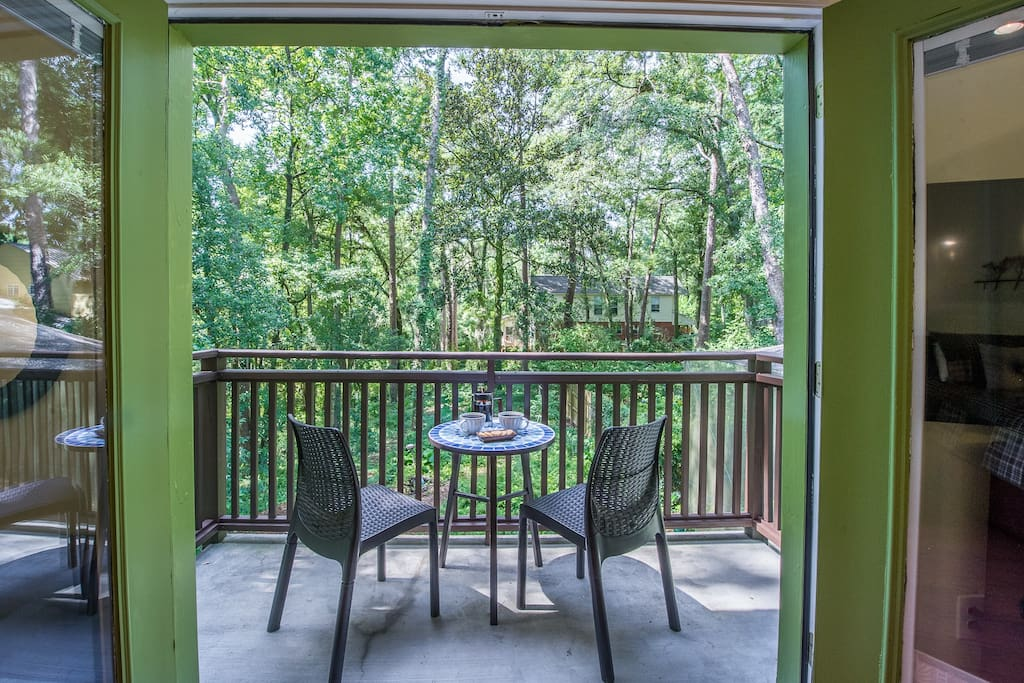 You will feel you are up in a tree house with your own private balcony. Morning coffee watching the birds is the best!