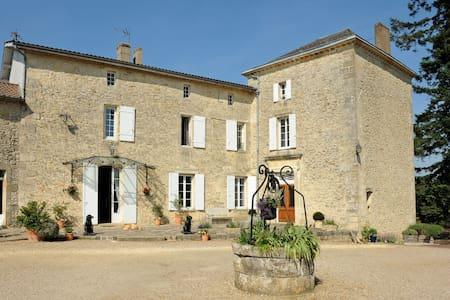 Chambre suite de château viticole - Rauzan