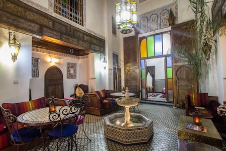 RIAD SUNRISE WOODING ROOM - 菲斯 - 住宿加早餐