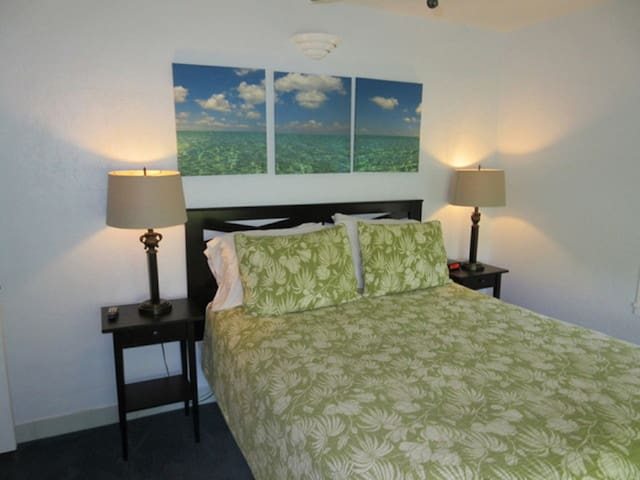 Suite Dreams Inn Tree House - Key West - Appartement