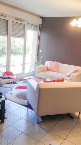 Appartement moderne au rez-de-chaussée à Brunoy
