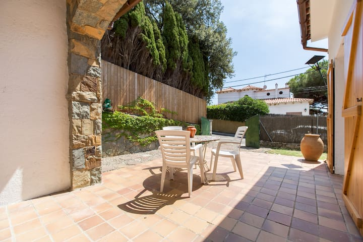 Bonita casa con jardín en Premià de Dal
