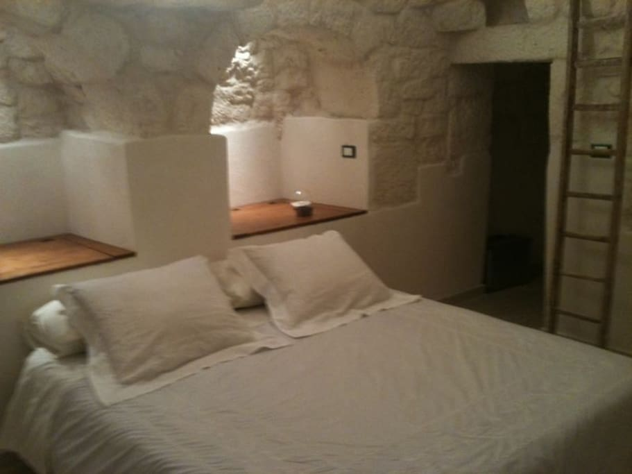 interno con letto marimoniale