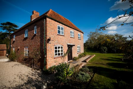 Home Farmhouse, Berkshire - West Berkshire - บ้าน