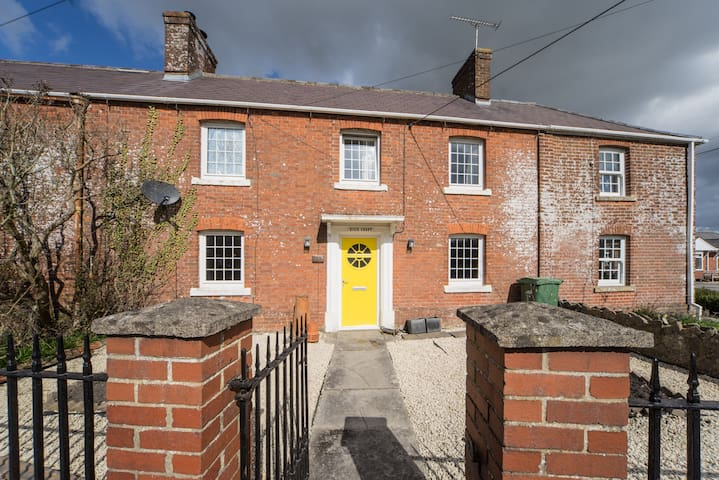 Lovely village family home - Chapmanslade  - Casa