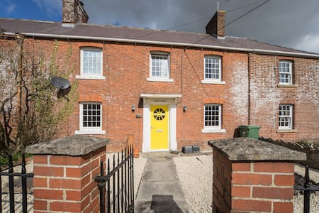 Lovely village family home - Chapmanslade  - 独立屋