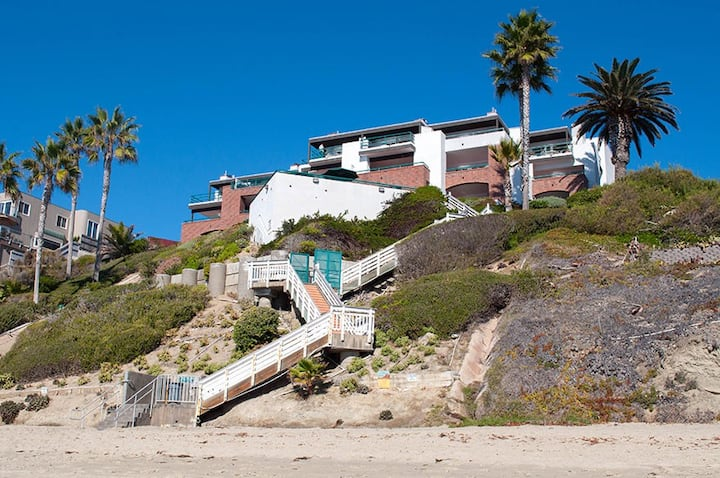 Laguna Beach Oceanfront one bedroom condo