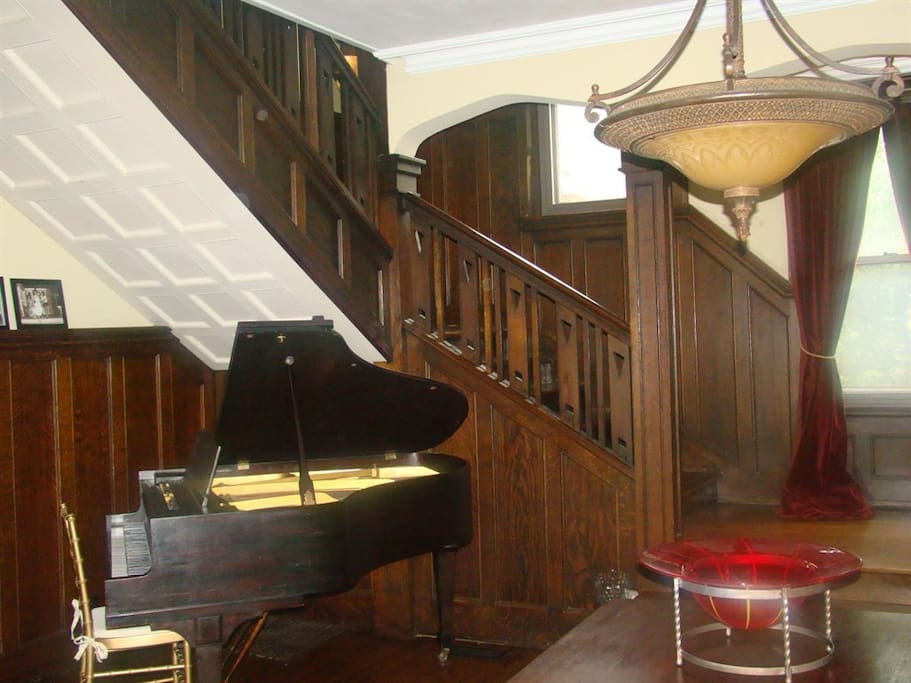 Front Entry/Parlor