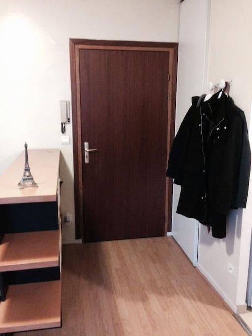 Location studio meuble 25m2 paris appartamenti in for Location de meuble paris