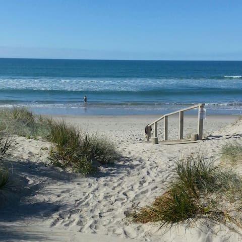 Hop, skip and jump to the beach - Tauranga - 獨棟