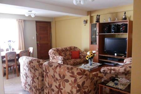 Single room in homestay - Cusco - Bed & Breakfast
