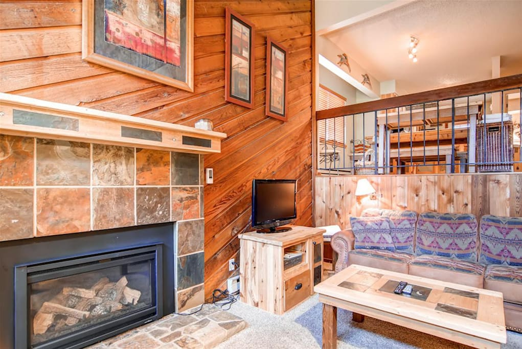 Townhome on peak 9 ski in ski out pool access townhouses for Affitto cabina breckenridge