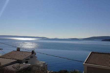 SEA VIEW apartment by the sea (2+1) - Seget Vranjica
