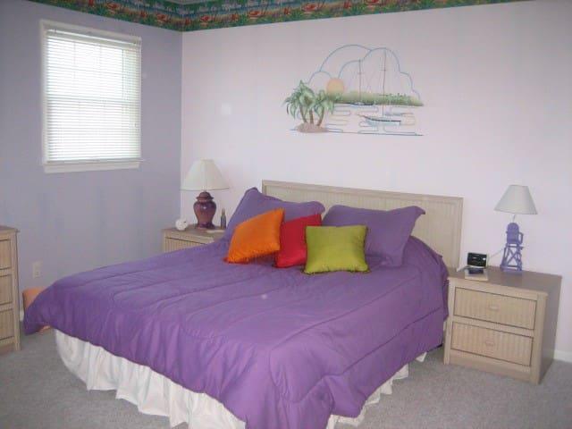 Purple Island Room