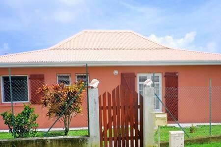 A louer belle maison  F4  - Le Vauclin