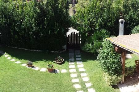 Villetta con giardino vicino al mare