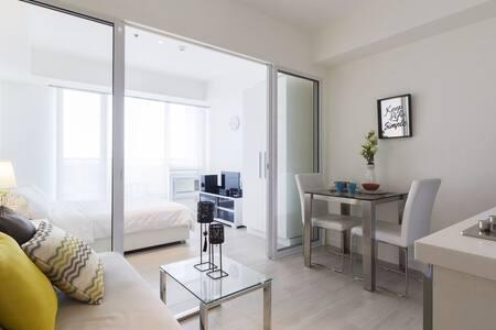 Chic 1BR Condo @ Azure Urban Resort - 帕拉纳克(Parañaque) - 公寓