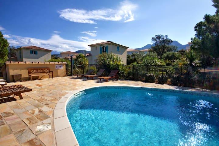 Villa de standing avec piscine - Calvi - Hus