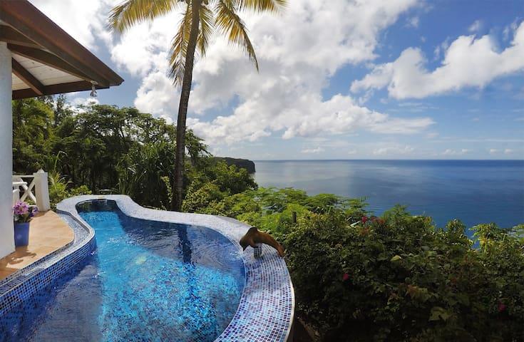Caribbean Blue Suite-Romantic Getaway Villa