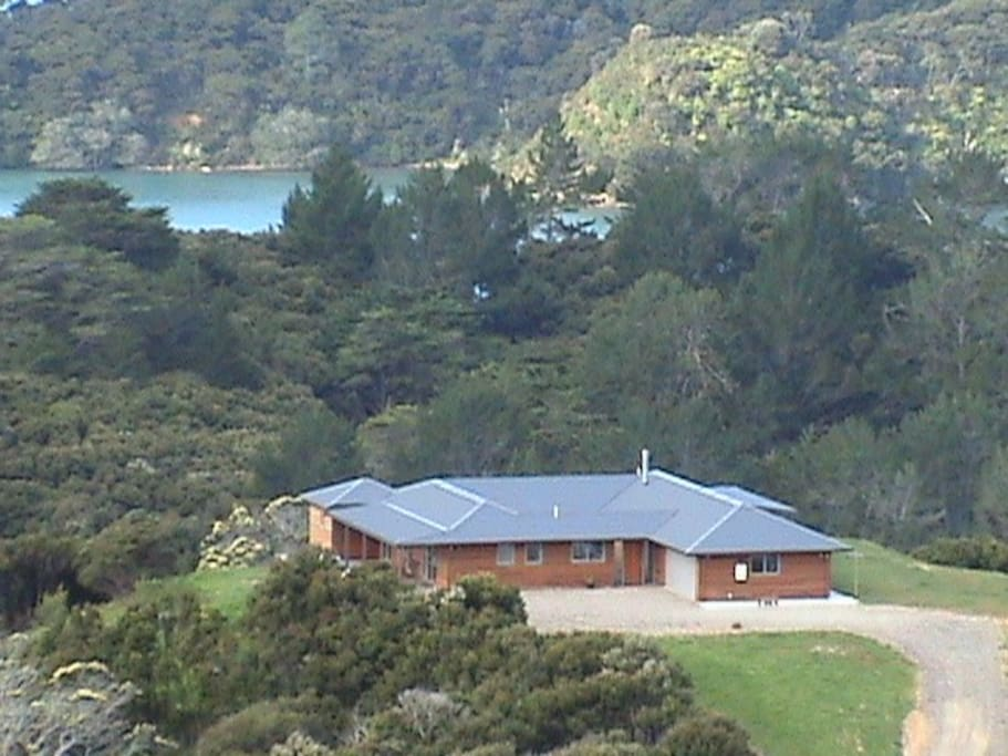 At road's end, the Prime Site above the most beautiful natural harbour in New Zealand