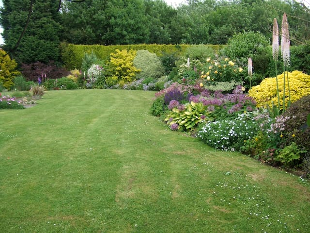 Courtlands B&B in rural Sussex - Sharpthorne