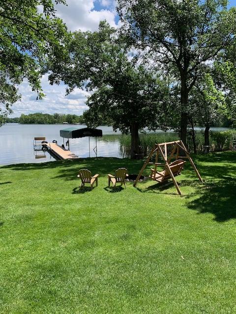 Lakefront living on Buchanan Lake