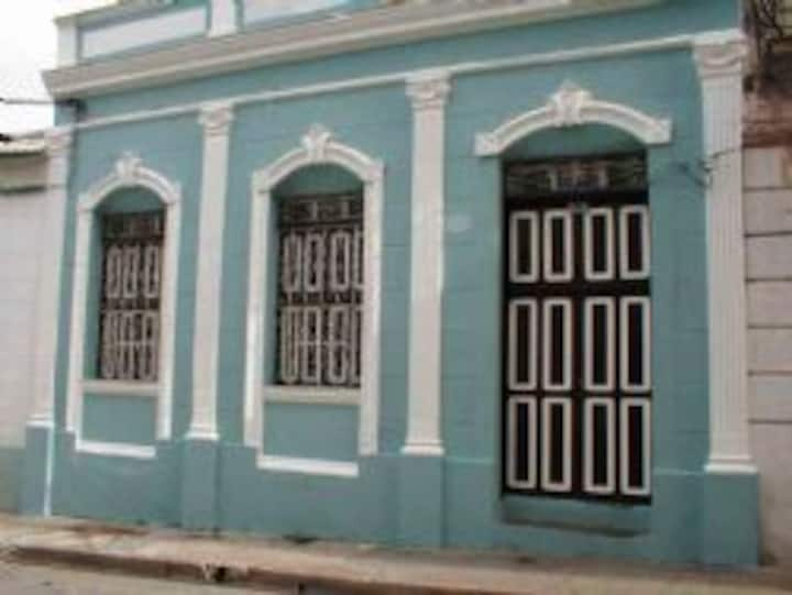 Colonial Laudelina Room 1 SAN010