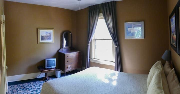 11th Street B&B Downtown Room #3 BL131177