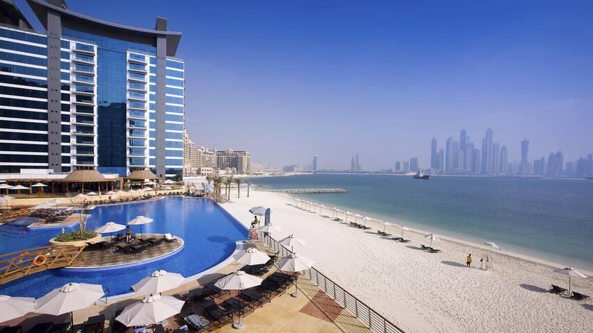 Dubai Palm Jumeirah beachfront room with En Suite