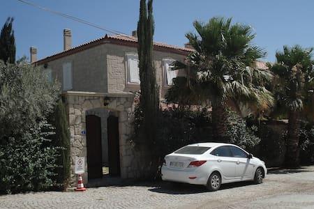 House with pool in Alaçati village - Alaçatı - Hus
