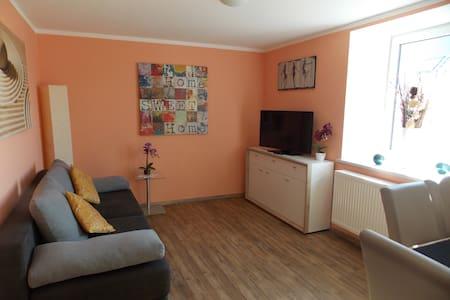 Neu - Helles 2-Zimmer-Apartment  - Lappersdorf
