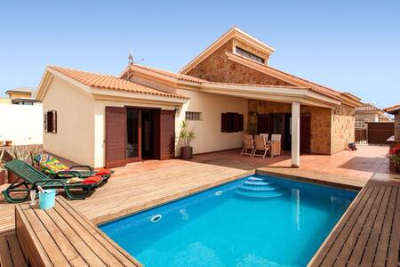Lovely Villa in residential area - Puerto del Rosario